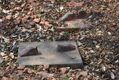 Looted statue's feet
