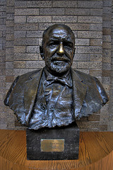 The statue of E.W. in Scripps Hall. His nose is shiny because students rub it for good luck before tests.